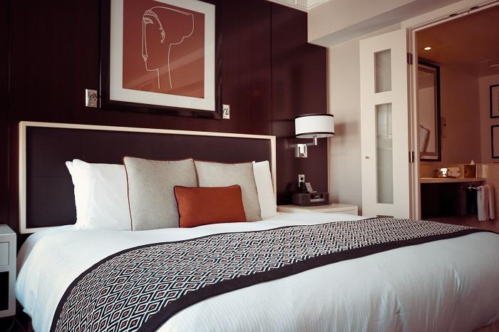 Luxusné prehozy na posteľ dotvoria dizajn spálne